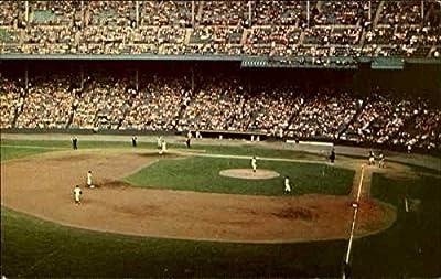 Cleveland Indians In Action, Cleveland Municipal Sadium Cleveland, Ohio Original Vintage Postcard