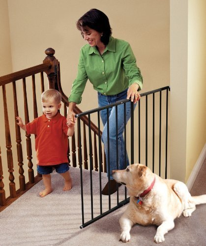 KidCo-Safeway-Hardware-Mount-Safety-Gate-Black