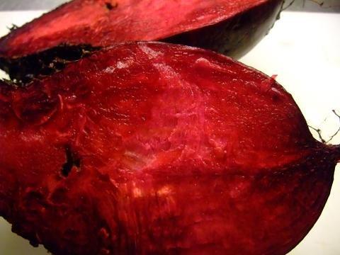 ビーツ (ボルシチを作る材料)は生でも、茹でても♪ 約300g~季節により変わります。