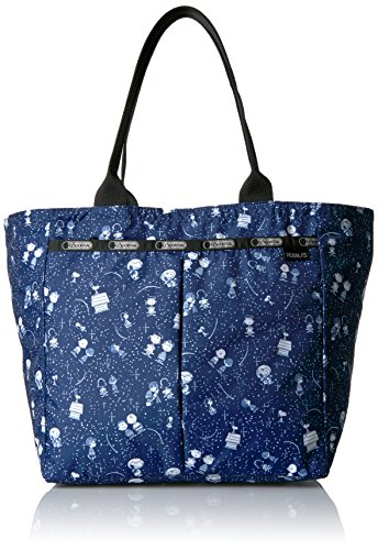 lesportsac-peanuts-x-everygirl-tote-snoopy-stargazer