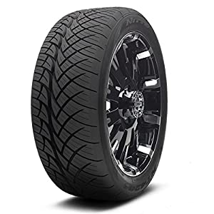 Nitto (Series NT 420S) 305-35-24 Radial Tire