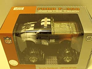 New England Patriots 2005 NFL Fleer Collectibles 1:32 Ford F-350 Monster Truck Replica Collectible Football Team Car
