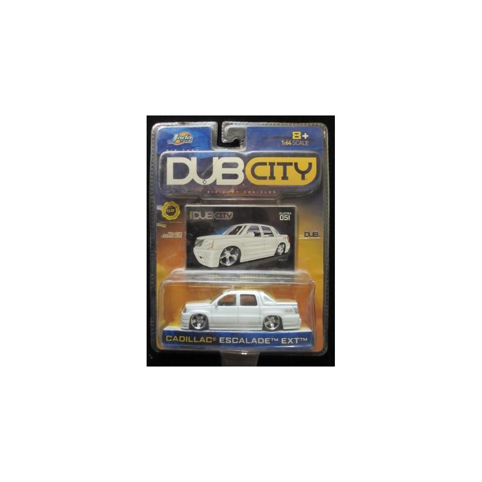 Cadillac Escalade EXT Dub City 2004 Includes Collector Card #051 By Jada