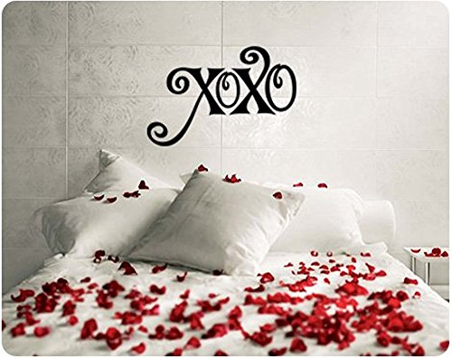 Home Decor XOXO Hugs and Kisses Valentine's Day Saying Wall Decal Decor Words Large Sticker for Living Room