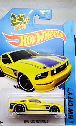2014 Hot Wheels Hw City 2005 Ford Mustang GT - Yellow