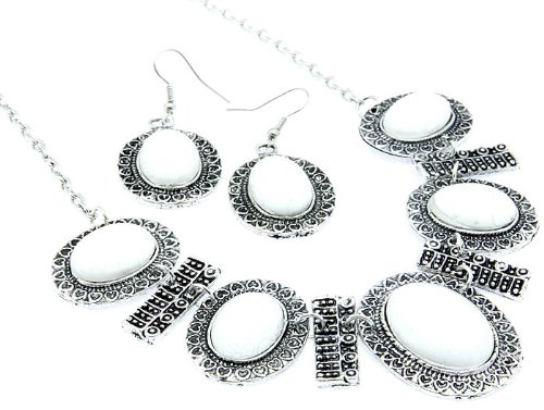 NECKLACE AND EARRING SET METAL BEAD WHITE Fashion Jewelry Costume Jewelry fashion accessory Beautiful Charms