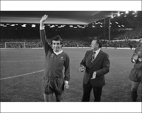 Photographic Print of 19.02.1977 Ian Callaghans 800th game from Liverpool FC Pictures