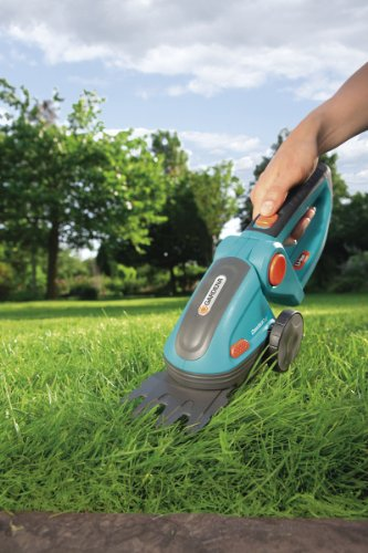 Gardena 8893-U 3-Inch Cordless Lithium Ion  Grass Shears, Comfort Cut
