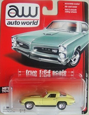 AUTO WORLD 1:64 SCALE YELLOW 1967 CHEVY CORVETTE 427 DIE-CAST - 1