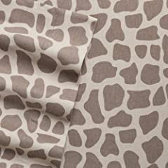 Home Classics Twin Size Heavyweight 5 oz (170-gram) 3 Piece Flannel Sheet Set with Deep Pockets Giraffe