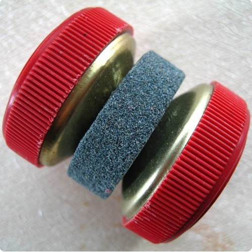Siam Circus Practical Knife Sharpener/Sharpening/Grinder Stones Of Wheel Shape-Color Random