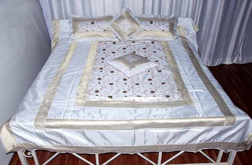 Block Print White King Size Silk Brocade Soft Comforter Bed Spread Finest Embroidery Work with Pillow and Cushion Covers