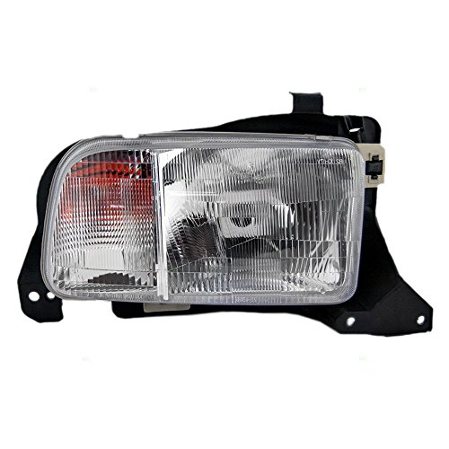 Passengers Headlight Headlamp Replacement for Chevrolet SUV 91174685 (Chevrolet Tracker Headlight compare prices)
