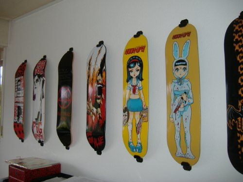 Vertical Skateboard Wall Mount : DIY