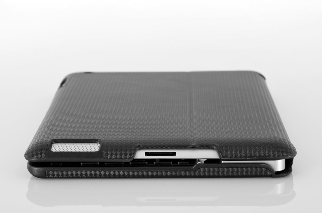 Amazon.com: ZAGG ZAGGfolio for Apple iPad 2 - Carbon with Black ...