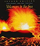 img - for By Gordon Andrew MacDonald Volcanoes in the Sea: The Geology of Hawaii (2 Sub) book / textbook / text book
