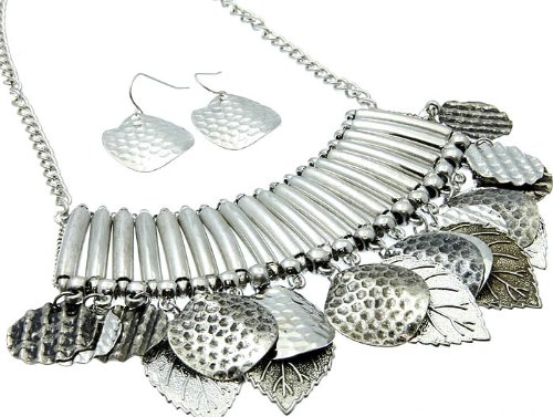 NECKLACE AND EARRING SET METAL METAL CASTING SILVER Fashion Jewelry Costume Jewelry fashion accessory Beautiful Charms