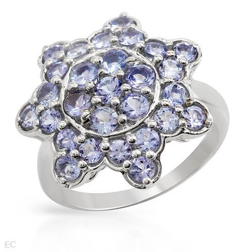 Sterling Silver 2.5 CTW Tanzanite Ladies Ring. Ring Size 7. Total Item weight 5.8 g.