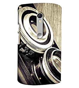 Blue Throat Old Camera Lens Hard Plastic Printed Back Cover/Case For Moto X Style