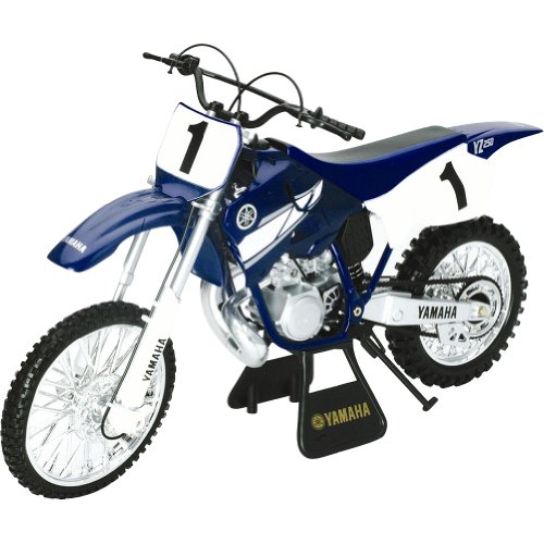 New Ray Yamaha 2006 YZ250 Replica Motorcycle Toy - Blue / 1:6 Scale