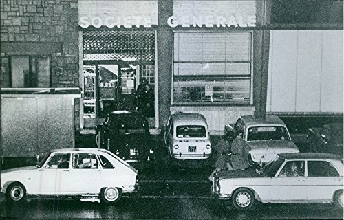 vintage-photo-of-vehicles-parked-outside-of-a-building-named-societe-generale-1971