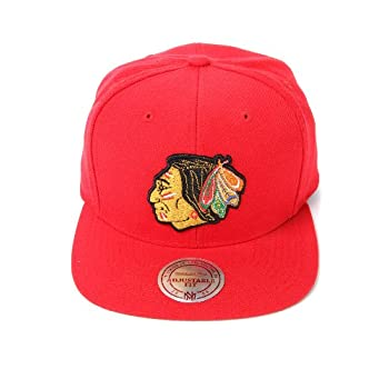 Mitchell & Ness Men's The Chicago Blackhawks Vintage Wool Solid Snapback Cap One Size Red