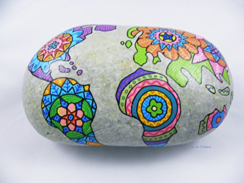 piedra-pintada-a-mano-mapa-mundi-mandala