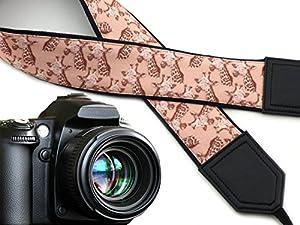 Giraffe camera strap. Beige camera strap. Animal camera strap Africa. DSLR / SLR Camera Strap. Durable, light weight and well padded camera strap by InTePro. code 00257