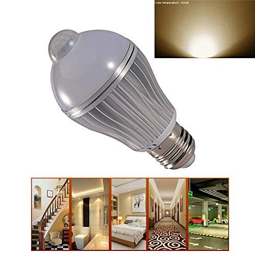 Ljy E27 7W Pir Infrared Motion Detect & Light Sensor Led Energy Saving Spotlight Lamp Bulb (Warm White)