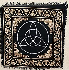 NEW Triquetra Altar or Tarot Cloth (Altar Clothes & Tapestries)