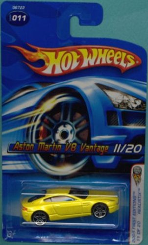 Hot Wheels 2005-011 First Editions 11/20 YELLOW Realistix Aston Martin V8 Vintage 1:64 Scale