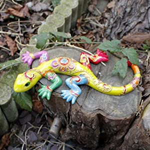 Green Wall Mountable Bright Coloured Green Lizard Ornament for the Garden by Gardens2You