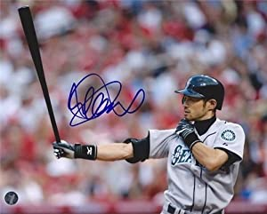 Ichiro Suzuki Autographed Hand Signed 8x10 Photo Seattle Mariners IS Holo #6 by Hall of Fame Memorabilia