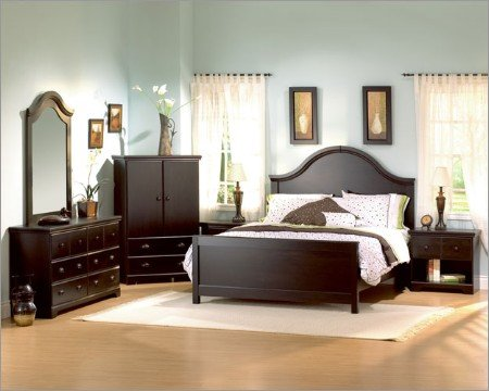 Queen Bedroom Collection