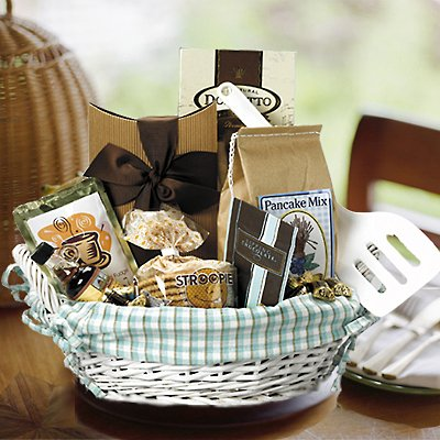 ANYTIME BREAKFAST GOURMET FOOD GIFT BASKET - MAPLE SYRUP, PANCAKE MIX & MORE