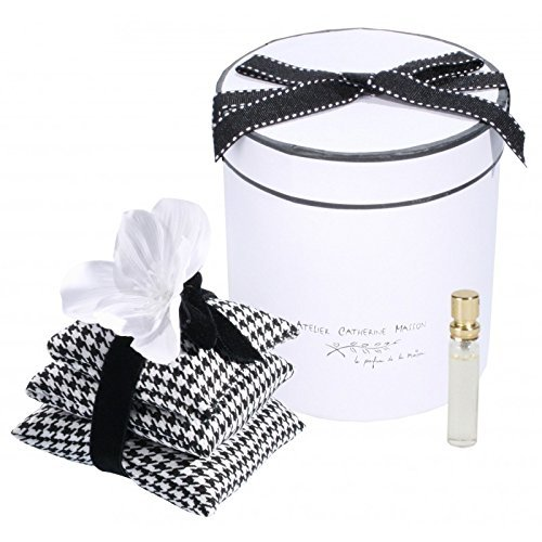 Black & White Toile de Jouy Scented Sachets Pyramid with Silk Flower and Refreshing Spray in Round Gift Box