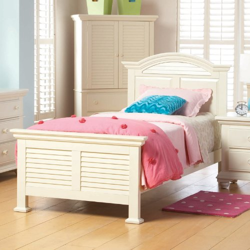three broyhill pleasant isle bedroom furniture one bought
