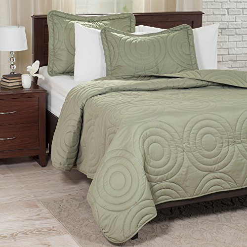 Lavish Home Solid Embossed 3 Piece Quilt Set - King - Green (Green Quilt compare prices)