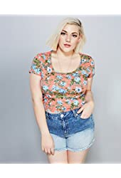 Wet Seal Women's Retro Floral Lace-Back Crop Tee