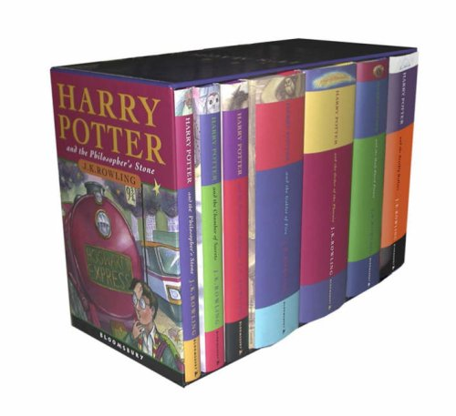 Harry Potter Boxed Set  (Children's Edition): Contains: Philosopher's Stone / Chamber of Secrets / Prisoner of Azkaban / Goblet of Fire / Order of the ... Hollows (Contains all 7 books in the series)