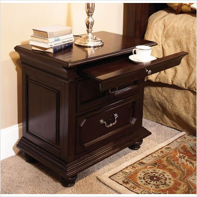 Picture of Wynwood 1749-63 Windsor Manor Nightstand in Antique Cherry B003OBBEXE (Wynwood)