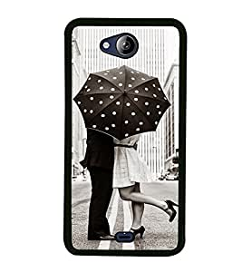 Love Couple 2D Hard Polycarbonate Designer Back Case Cover for Micromax Canvas Play Q355
