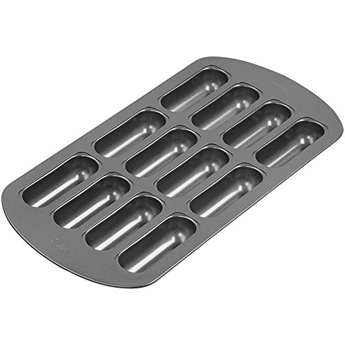 Wilton 2105-3646 Non-Stick 12-Cavity Delectovals Cake Pan (Snack Cake Pan compare prices)