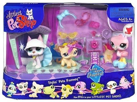 Littlest Pet Shop Stylin Pets Runway by Hasbro