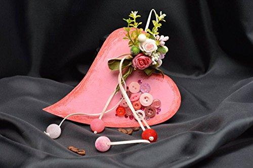 suspension-decorative-coeur-rose-avec-fleurs-et-boutons-faite-main-design