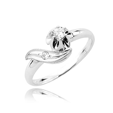 Cute dynasty diamond pave and solitaire ring