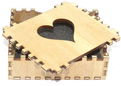 bonito-diseno-de-corazon-de-madera-caja-de-regalo-juego