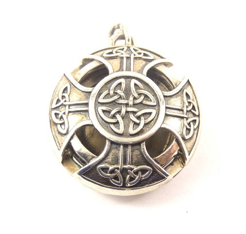 Aromatherapy Locket Celtic Cross Alloy Pewter Color with 10 refill pads