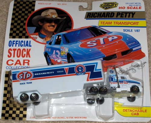 Richard Petty Team Transport: Official Stock Car Collection
