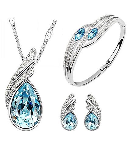 Get Flat 60% OFF on Designer Jewellery Collection (Products include Earring, Necklace, Pendant And More)